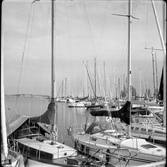 Ships, Lauttasaari (Sanha Matas) Tags: balda 120film trix400 iso400 helsinki lauttasaari
