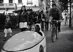 Formula 1 (Thomas8047) Tags: street zurich zrich schweiz switzerland ch bw bahnhofstrasse onthestreets urban strassenfotografie strassencene nikon flickr snapseed sonntag sonntagsspaziergang blackandwithe streetpix zrigrafien people passanten familie 2016 schwarzundweiss streetphotography candid city stadtansichten blancoynegro thomas8047 streetart streetlife personen iamnikon streetartstreetlife d300s formula1 streetscene
