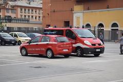 Fiat Grande Punto-Renault Trafic Vigili del Fuoco Genova (alessio2998) Tags: fiat grande punto renault trafic vigili del fuoco genova 115