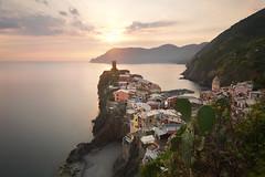 Vernazza (alex notag) Tags: vernazza terre cinque 5 sunset seascape poselongue longexposure ligurie italie italia