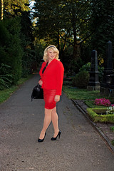 ff4b (Tinaturtle27) Tags: crossdresser transvestite pantyhose graveyard