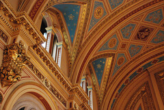 DSC_6945 [ps] - Heavens Above (Anyhoo) Tags: anyhoo photobyanyhoo fco foreignoffice whitehall westminster london england uk interior grandeur golden gilt gilding fo ornate design corbel vault arch neogothic arc heavens stars
