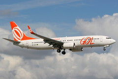 PR-GUI MIA 21-11-2013 (Plane Buddy) Tags: prgol boeing 737 737800 gol miami kmia