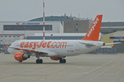 EasyJet Switzerland Airbus A320-214; HB-JZR@BSL;03.04.2013/