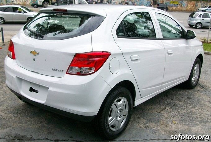 Foto do Chevrolet Onix LT 2013