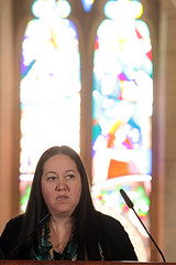 Mtis artist Christi Belcourt addresses guests at the Dedication Ceremony for the Stained Glass Window. (Aboriginal Affairs and Northern Development Canada) Tags: ontario canada window photo artwork artist ottawa culture parliament stainedglass firstnations apology inuit reconciliation houseofcommons mtis centreblock aboriginalpeoples indianresidentialschools aandc aboriginalaffairsandnortherndevelopmentcanada christibelcourt