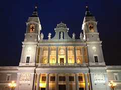Santa Mara la Real de La Almudena at night (markjelinsky) Tags: madrid santa espaa church de real la spain community europa europe catholic cathedral almudena union iglesia spanish catholicism mara comunidad reino espaol