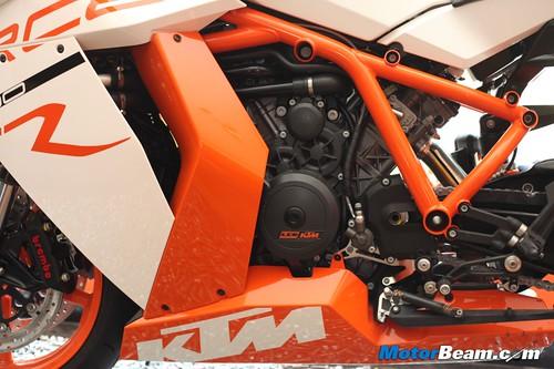 KTM-RC8R-India-08