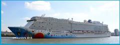 Norwegian Breakaway in Rotterdam. (NikonDirk) Tags: nikondirk norwegian cruise line rotterdam maidentrip noordzee waterweg breakaway erasmusbrug terminal hulpverlening foto