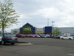 Lowe's in Wooster, Ohio (Fan of Retail) Tags: road ohio retail mall shopping center burbank stores lowes wooster milltown 2013