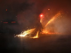 Fireworks , Diables (33) (calafellvalo) Tags: noche fireworks calafell fuegosartificiales nit plvora traca diables masclet calafellvalo castelldefoc diablesdecalafell guaitels festamajordecalafell diablesfireworksfuegosartificialescalafellcalafellvalo