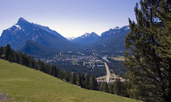 Banff view (LunaticDesire) Tags: canada canadian ca northamerica north america western westerncanada therockymountains rockymountains rocky mountains moosetravel travel traveling exterior photography nikon d40 dslr 18105 may 2016 spring banff alberta ab above view town cityscape landscape mount rundle scenery
