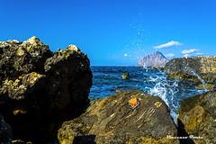 Vista si monte Cofano dagli scogli (dwarfphotos) Tags: montecofano bonagia trapani mare scogli allaperto