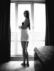 (www.Michie.ru) Tags: morning window windowlight model breakdancer fit sexy beauty longhair room blackandwhite sunlight portrait moldovan moldova japanese japanesephotographer kawaii photography