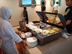 Noodle bar (A. Wee) Tags: jakarta  indonesia  airport  cgk soekarnohatta terminal3 garudaindonesia lounge