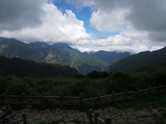 P9240165 (David.CY.Yang) Tags:  syuemountain   eastpeak snowmountain   taiwanmountainash taiwanlaughingthrush  usnea  dawn  holyridgeline   glacialcirque