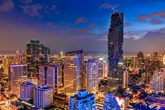 """Bangkok Rising"" (suwaparnjaruchaisittikul) Tags: building skyscraper cloud cityscape night nightview sunset mahanakhon bangkok thailand rising landscape"