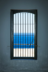 Blue Horizons (Alex Stoen) Tags: sea lighthouse window canon geotagged ventana freedom mar trapped google spain flickr view framed horizon streetphotography center depthoffield mediterraneansea smugmug facebook profundidaddecampo bluehorizons ef24105f4lisusm creativecomposition canoneos5dmarkii 5dmk2 alexstoen farodelalbir alexstoenphotography albirlighthouse composicioncreativa