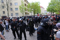 1.Mai 2013 Schneweide Antifa Aktion IMG_8802 (Thomas Rassloff) Tags: copyright berlin demo fotograf photographer thomas nazi protest picture pyramide rossi gegen aktion antifa sitzblockade schneweide 2013 rassloff