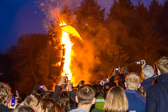 Watch the wicker man burn (GEHPhotos) Tags: history festival fire crowd hampshire features celtic beltane beltain wickerman butserancientfarm canoneos60d efs18200mmf3556is