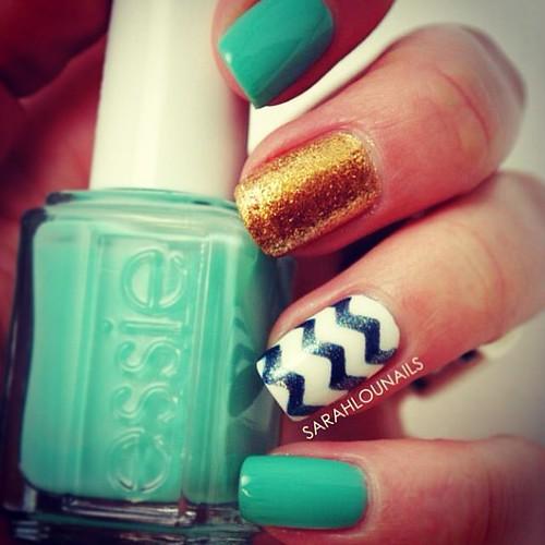 Turquoise & Chevron Nails! #turquoise #chevron #gold #zigzag #opi #essie #nails #nailpolish #nailporn #polish #mani #manicure #notd #nailstagram