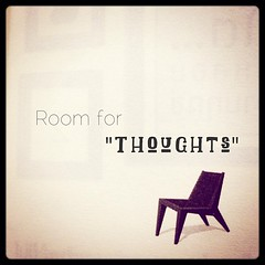 """-room for thoughts  หลายๆครั้งที่ชีวิตเราเหมือนกับเป็นหนังม้วนเก่าเอามาเล่าใหม่ทุกๆวัน สิ่งนั้นบางทีเรียกกันหรูๆว่า """"กิจวัตรประจำวัน"""" แต่สิ่งที่คุ้นเคย ที่ทำตลอดโดนที่สมองทำงานน้อยที่สุด เป็นสิ่งที่ทำให้เราอยู่ในสภาพที่เฉื่อยๆเหมือนซอมบี้ในหนังสยองขวัญ เด"""