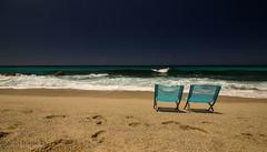 guardando il mare (paolotrapella) Tags: mare sea spiaggia beach sabbia acqua water colors colori italia