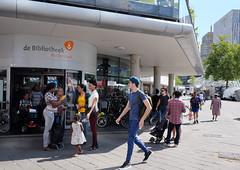 DSCF4766.jpg (amsfrank) Tags: people rotterdam markt market candid bibliotheek blaak