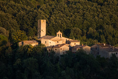 rotecastello (ROSSANA76 Getty Images Contributor) Tags: rotecastello san venanzo umbria perugia todi borgo medievale italia vede relax paesaggio sole tramonto luce sera case