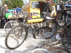 PUCH Rex mit Hilfsmotor (John Steam) Tags: fahrrad clipon hilfsmotor puch rex zweitakt oldtimer teilemarkt lauffen bad ischl obersterreich austria 2016 herren herrenmodell waffenrad
