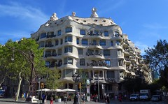 Casa Mil, Barcelona (langkawi) Tags: barcelona gaudi modernisme casamil lapedrera passeigdegracia