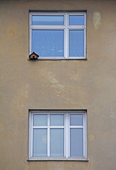 House in House (CoolMcFlash) Tags: vienna wien house building window architecture facade canon eos austria sterreich fenster birdhouse haus minimalism simple tamron minimalistic gebude fassade vogelhaus fav10 simpel minimalistisch 18270 60d b008