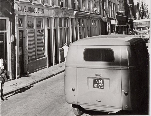"NN-41-75 Volkswagen Transporter bestelwagen 1952 • <a style=""font-size:0.8em;"" href=""http://www.flickr.com/photos/33170035@N02/8687121190/"" target=""_blank"">View on Flickr</a>"