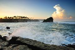 Splash! (zuki12) Tags: blue fab cloud white yellow sunrise wave splash alamanda ujung tanahlot genteng