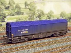 Dapol_Tiphook (37686) Tags: oo gauge wagons