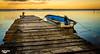 Passerelle et barque
