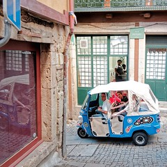 Portugal (StefanoG.com) Tags: porto portugal eiffel louis pont fille enfant kid rue street couleur scne voyage olympus omd em5 markii mark2 stefanotofs stefanog stefanogcom