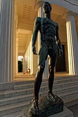 Jugendlicher Athlet (Foto-X) Tags: jugendlicherathlet statue mann portrt theseustempel volksgarten wien f13