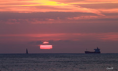 Y lleg el otoo (lesxanes) Tags: amanecer sunrise ship sky cielo mar seascape asturies asturias espaa water costa coast marina marine