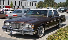 Parisienne (Schwanzus_Longus) Tags: oldenburg german germany us usa america american old classic vintage car vehicle sedan saloon pontiac parisienne
