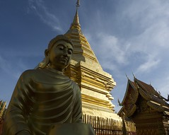 P1430805 (Boy In The Corner) Tags: thailand golden temple chaingmai buddhism serene digital