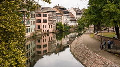 Tout est nettoy (OR_U) Tags: 2016 oru france strasbourg petitefrance widescreen 169 reflection trees clean neat city townventre heritage river water park