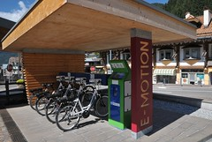 E-Motion bikes (Vee living life to the full) Tags: bolzano italy leger town street waterfall hanglider mountains landscape bikes emotion forhire nikond300