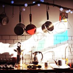 kitchen before tea (Mary Jane 2040) Tags: kitchen interior itmustbespringtime utata:project=ip172 ip2daysinarow unclefredslovespoon