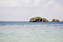 Hundred Islands 7 (Faith_Crawford) Tags: sea beach nature water coral boats islands boat sand salt deep salty shore hundred land 100 shallow shores reefs nikond5100
