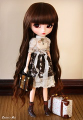 Unintentional love (pure_embers) Tags: new uk brown girl beautiful beauty fashion japan asian japanese doll pretty dolls planning wig bow romantic pullip arrival brunette elegant suitcase pure wavy jun embers elegance animaleyes obitsu pureembers