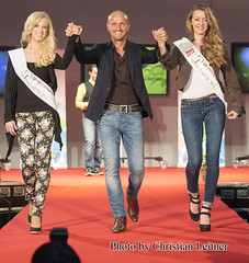 Miss Earth 11 12 @ greenEXPO 13 (Christian Leitner) Tags: vienna wien canon fire for austria sterreich model fotograf photos earth air iii cotton fotos 5d grn miss fashionshow runway mk catwalk fairtrade sustainable 2012 designers 2010 heldenplatz modenschau baumwolle 2011 messehalle ecofashion modeschau 2013 greenexpo missaustria photographerchristianleitner biomode komode beauties caseearth modeschau aminpeymansandraseidllisahanakamp