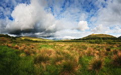 Strath Fillan (Philipp Klinger Photography) Tags: park uk greatbritain trip blue light sunset shadow vacation sky panorama cloud sun mountain holiday mountains green nature grass clouds landscape evening scotland highlands nikon warm eur