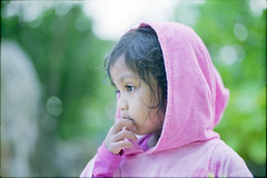 afrina (atfal al-hejara) Tags: leica pink portrait color film girl 35mm 50mm daylight singapore fuji open bokeh f14 daughter wide naturallight tropical epson manual 135 summilux asph available m7 400h v700 vuescan