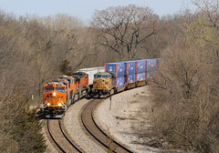 Coming and Going (JayLev) Tags: up hill grade chillicothe bnsf houlihans edelstein transcon